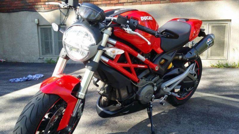 Ducati Monster 696 2010 -- PARFAITE CONDITION