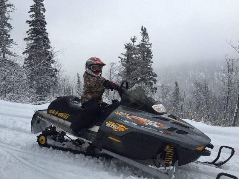 2000 summit 600 for sale or trade