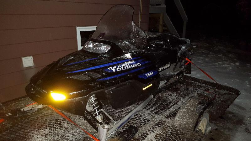 2002 ski doo grand touring sell or trade