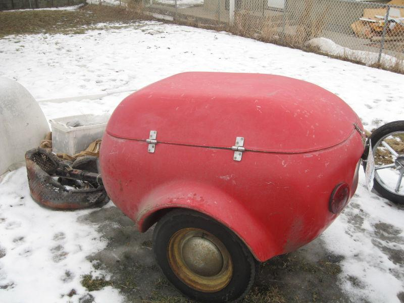 BUBBLE FIBERGLAS TRAILER