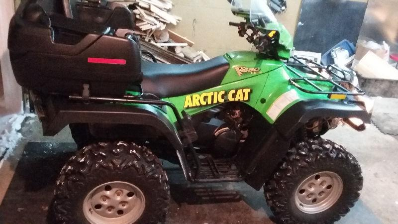 2005 artic cat 650cc v-twin (2 cylindres) PRIX REDUIT a 3400$
