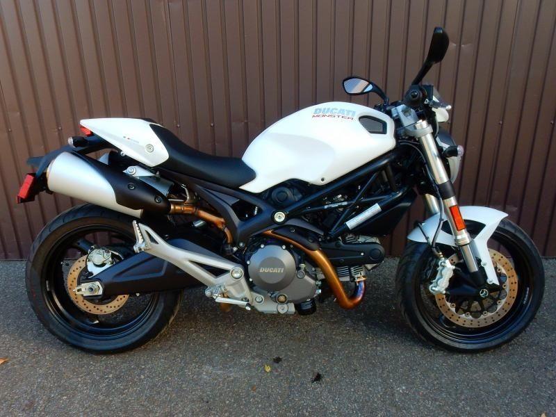 2013 Ducati MONSTER 696 40,42$/SEMAINE