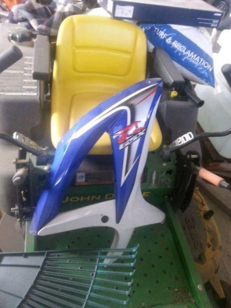 Various GSX-R fairings/plastics