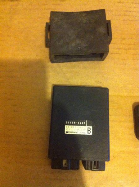NINJA 250 KAWASAKI OEM ECU BLACK BOX COMPUTER AND HOLDER