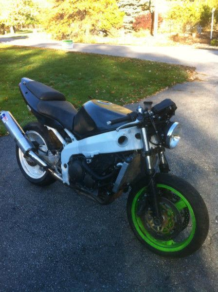 PARTING OUT A KAWASAKI NINJA ZX6R 98 02 TRACK/STUNT BIKE