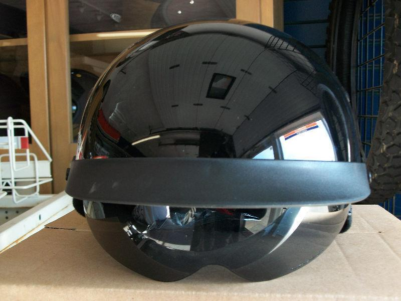 KAOS Gloss Black Joker Design (Retractable Lens), Medium