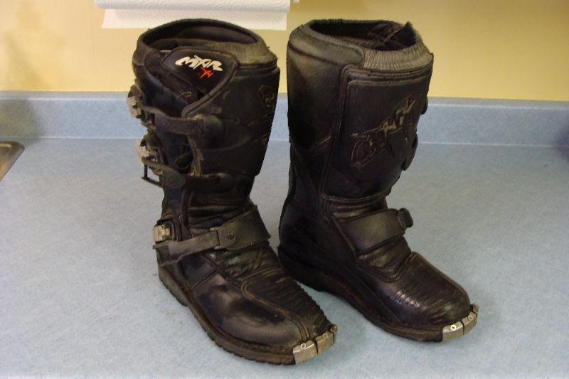 MXR Youth Dirt Bike Boots - size 5