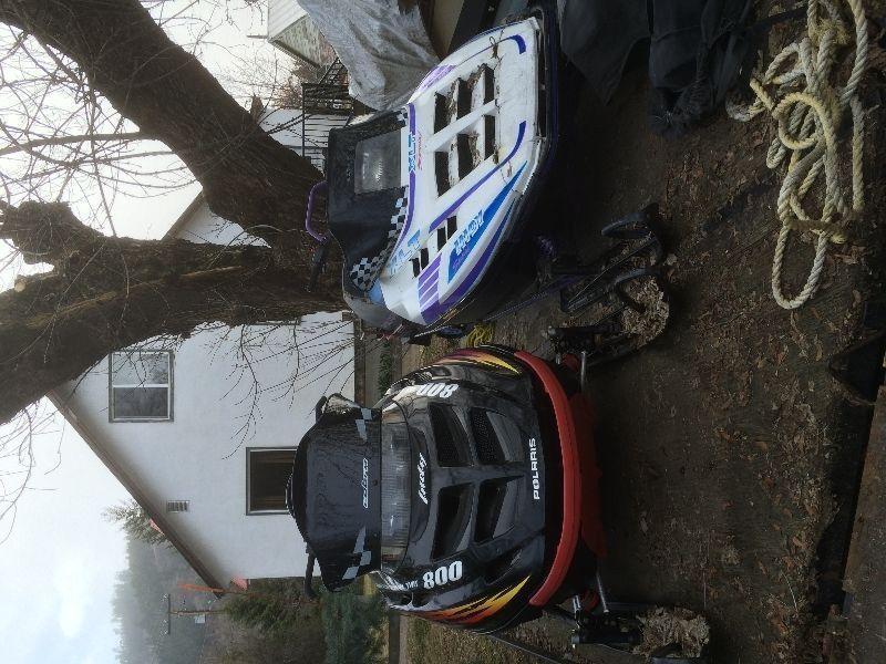 2 sleds