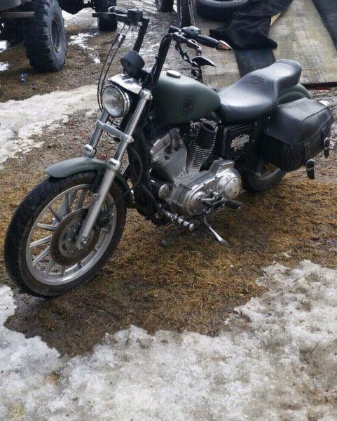 99 Harley Davidson 883