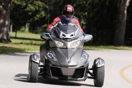 OPEN YOUR ROAD WITH CAN AM SPYDER / WWW.VARIABLERENTALS.CA