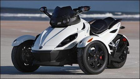 2015 CAN AM SPYDER 990 LTD. / WWW.VARIABLERENTALS.CA