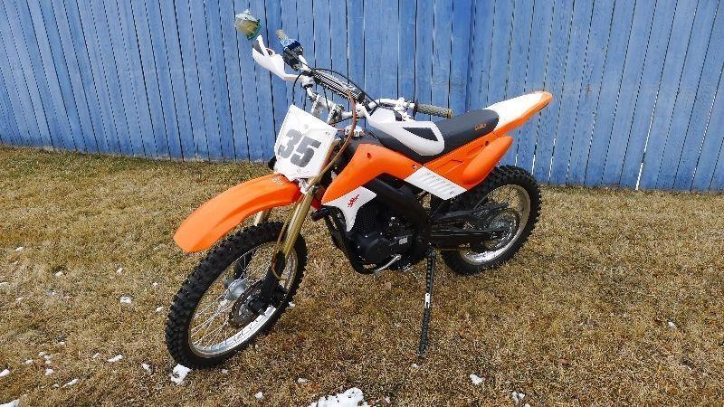 2010 Gio XM35 250cc Dirt Bike