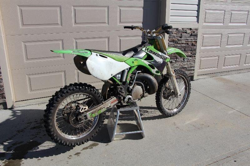2003 KX 250 2 Stroke Kawasaki Dirt Bike