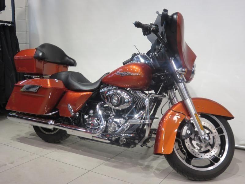 2011 Harley-Davidson FLHX SUNSET ORANGE !!! 80,51$/SEMAINE