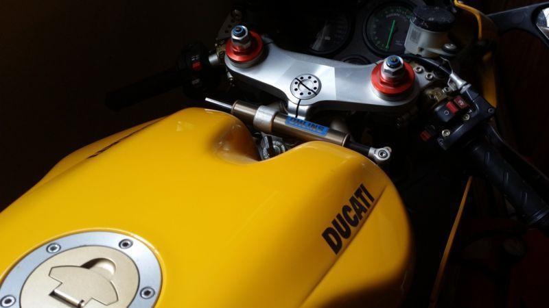 99 Ducati 748S