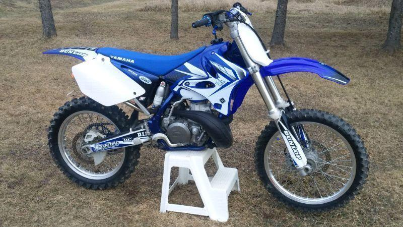 YAMAHA YZ 250 showroom (big bore 300cc)