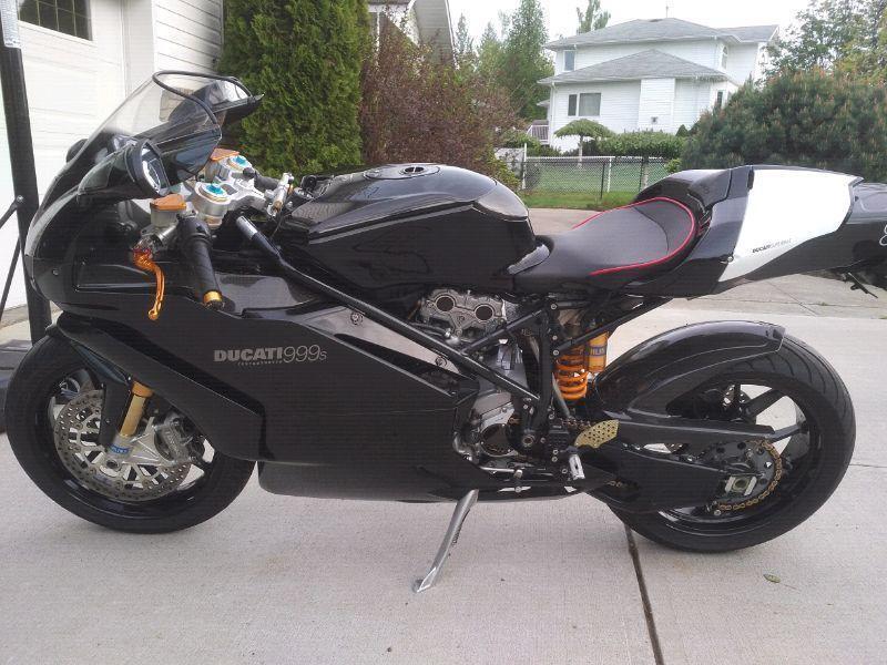 2005 Ducati 999S