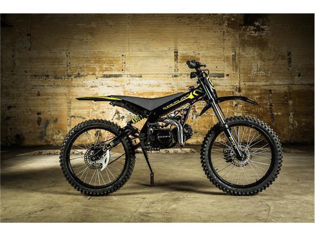 **SALE** CCW Cleveland FXX 110cc Off Road Dirt Bike Full Size