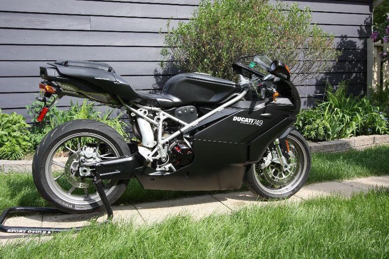 2006 Ducati 749 Dark