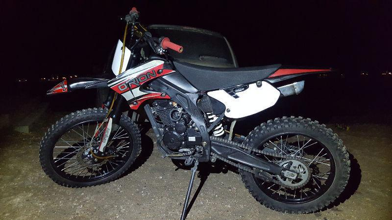 Dirt bike 250cc 4 stroke