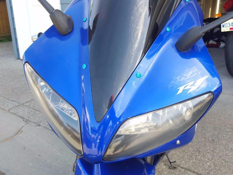 03' Yamaha R1 Motorcycle