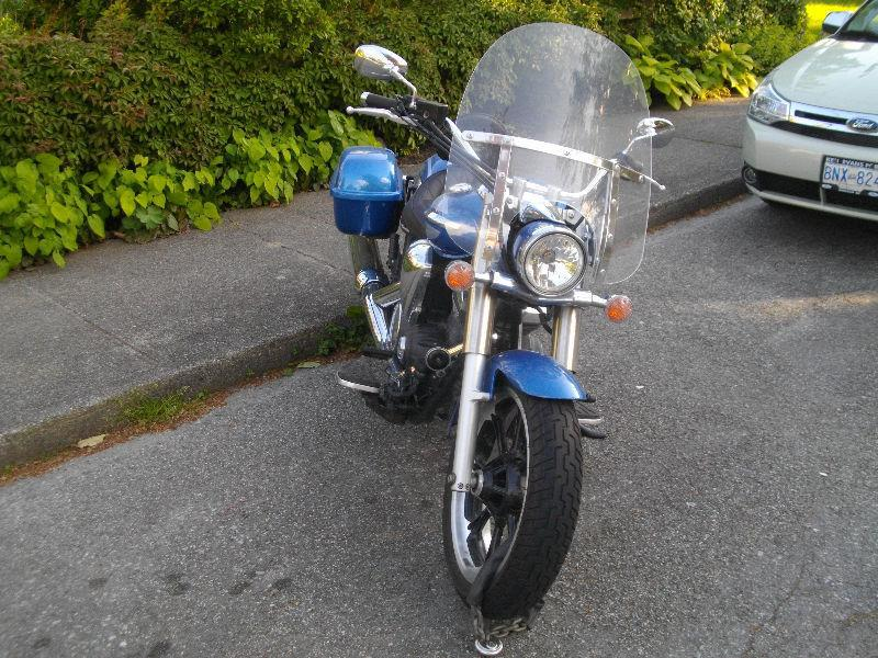 Excellent 2009 YAMAHA V STAR w/ Custom Seat, Saddle bags