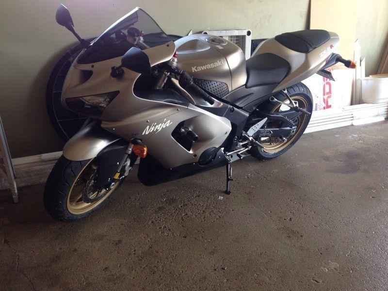 2005 Kawasaki ninja 636