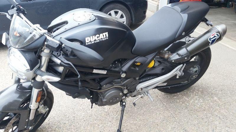 Ducati Monster upgraded exhaust