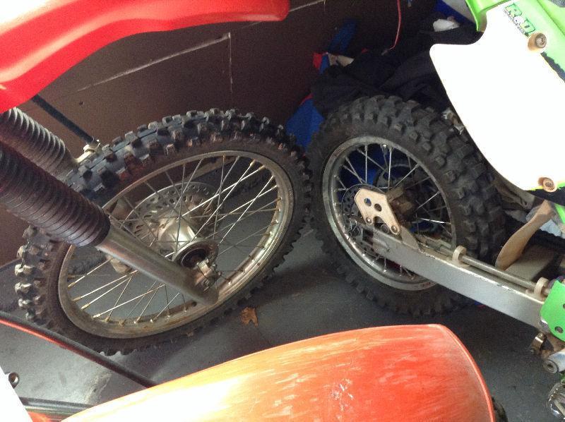 Dirt bike tire changes