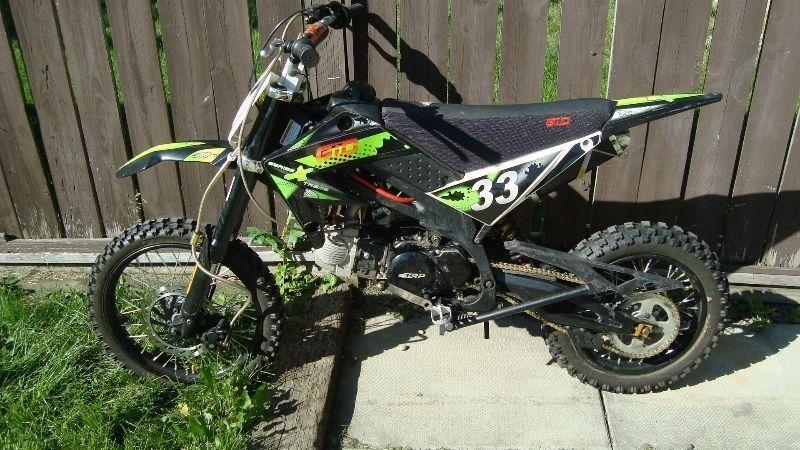 Gio dirt bike/ pit bike with high compression 140 cc engine