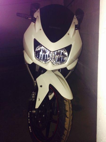 White 2011 Kawasaki Ninja 250R