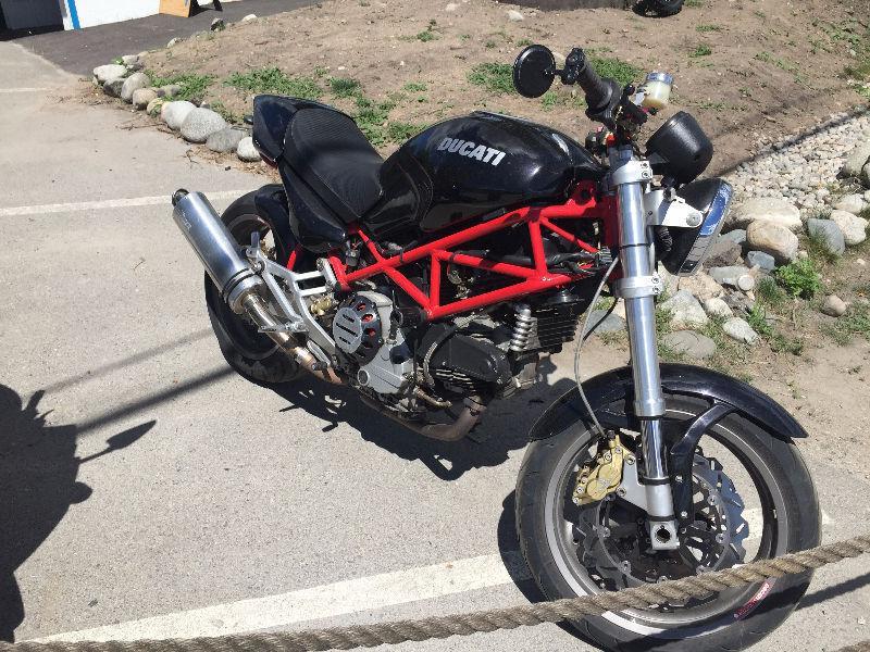 2001 M900 Monster 900ie