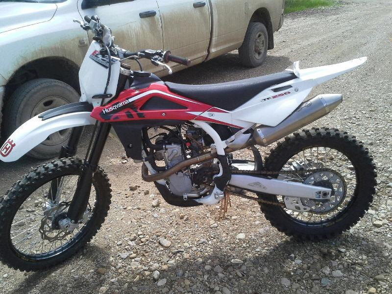Low hours Dirt bike best offer