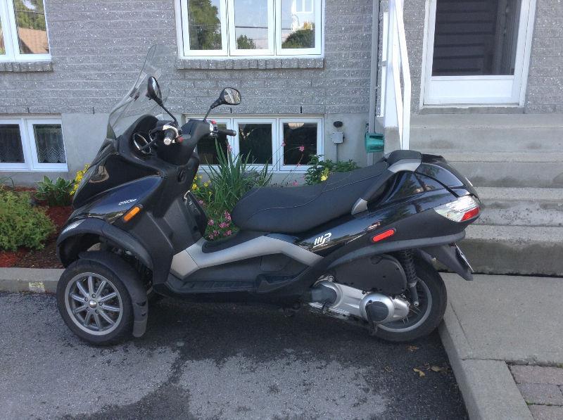 Scooter Piaggio mp3 250