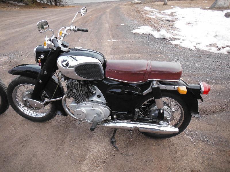 $6,500 Two Vintage Hondas 1967 305 Super Hawk 1967 300 Dream