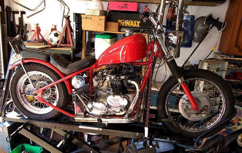 Triumph bobber 1969