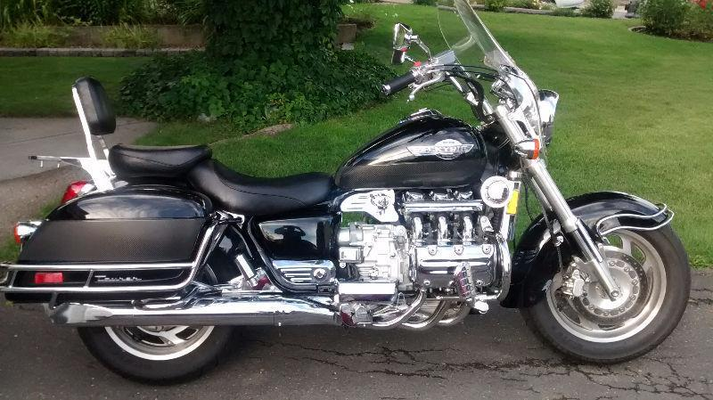 honda valkyrie best cruiser ever   brick7 motorcycle