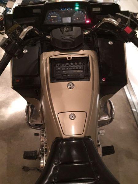 Suzuki cavalcade 1400 low km classic