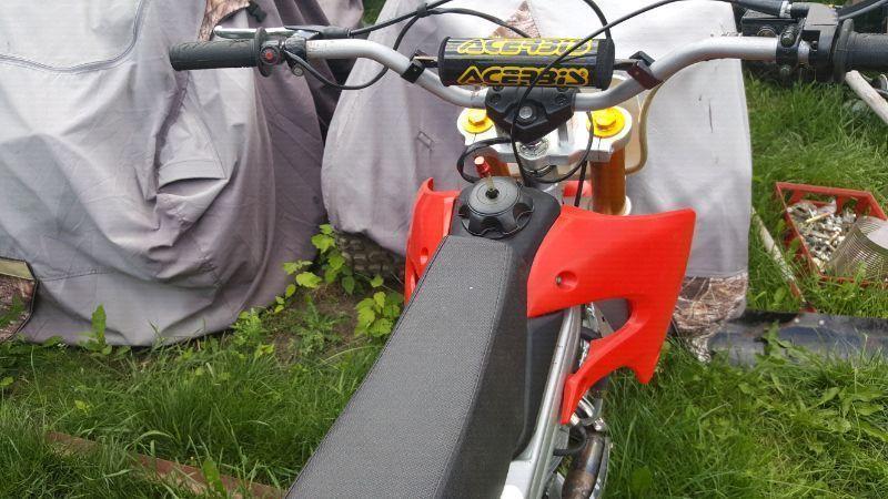 200cc Baja dirt bike