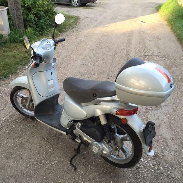 Aprilia Scooter, new tires, fresh oil change, 50CC