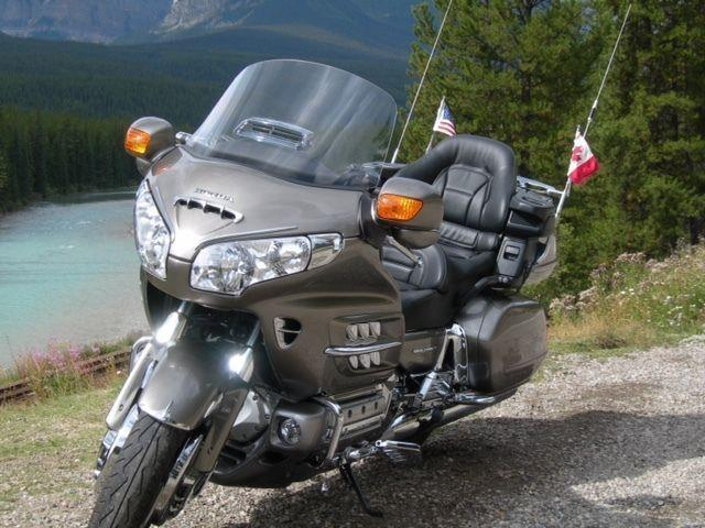 PREMIUM 1 OWNER HONDA GOLDWING 1800