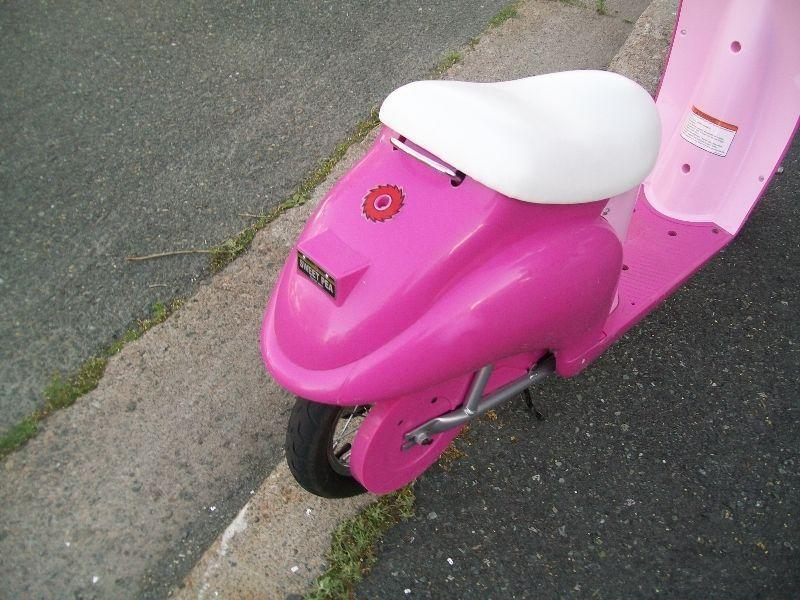 Razor Pocket Mod Sweet Pea scooter