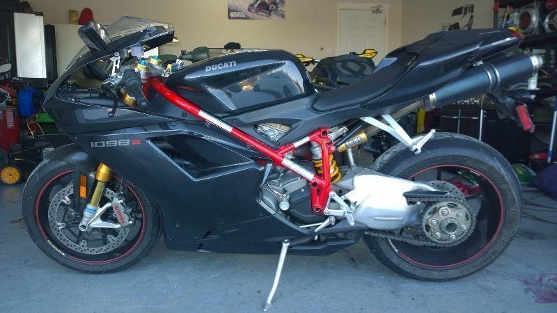 08 Ducati 1098S