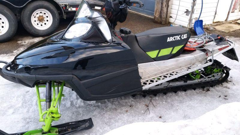 2011 ARCTIC CAT SNOWMOBILE