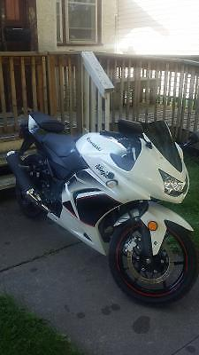 2011 ninia 250R limited edition pearl white