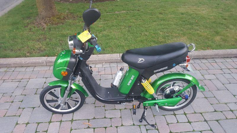 Daymak electric scooter BRAND NEW