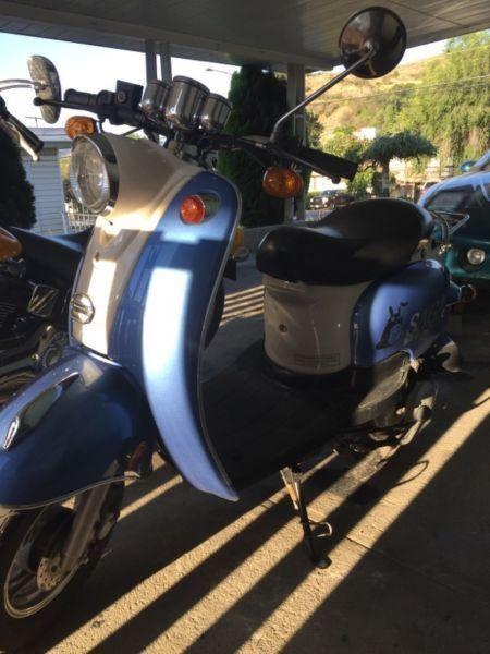 Vespa Saga 49cc Scooter