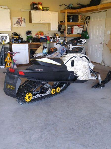 2009 skidoo 800r for trade or sell
