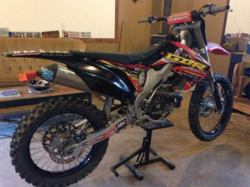 2012 CRF 450 NEED GONE