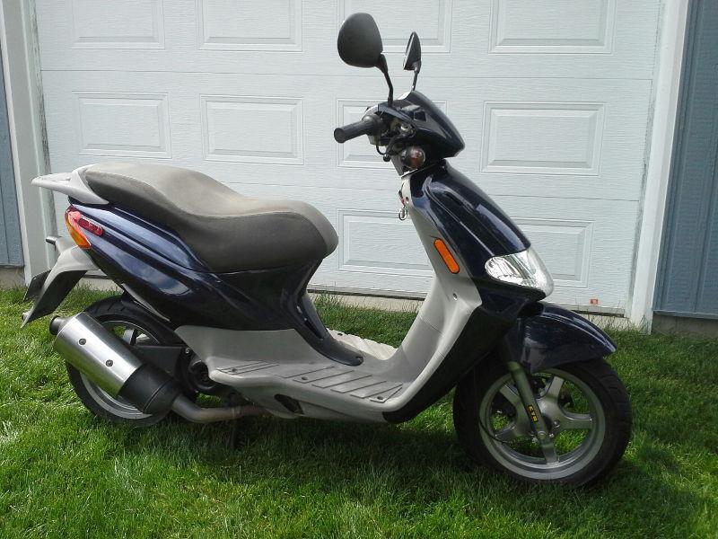 derbi scooter a vendre brick7 motorcycle. Black Bedroom Furniture Sets. Home Design Ideas